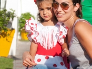Minnie Mouse stepped out in beautiful polka dots!